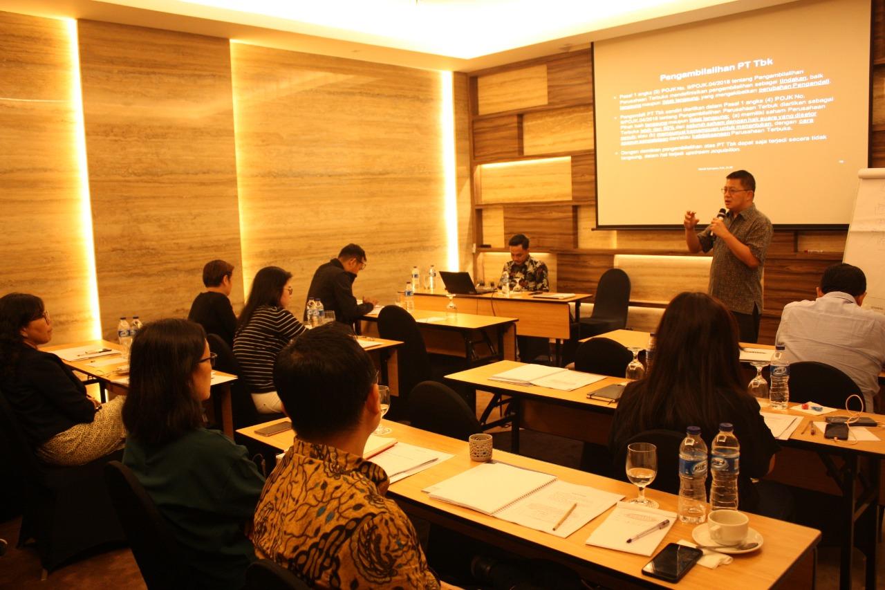 Training Hukum & Seminar Hukum
